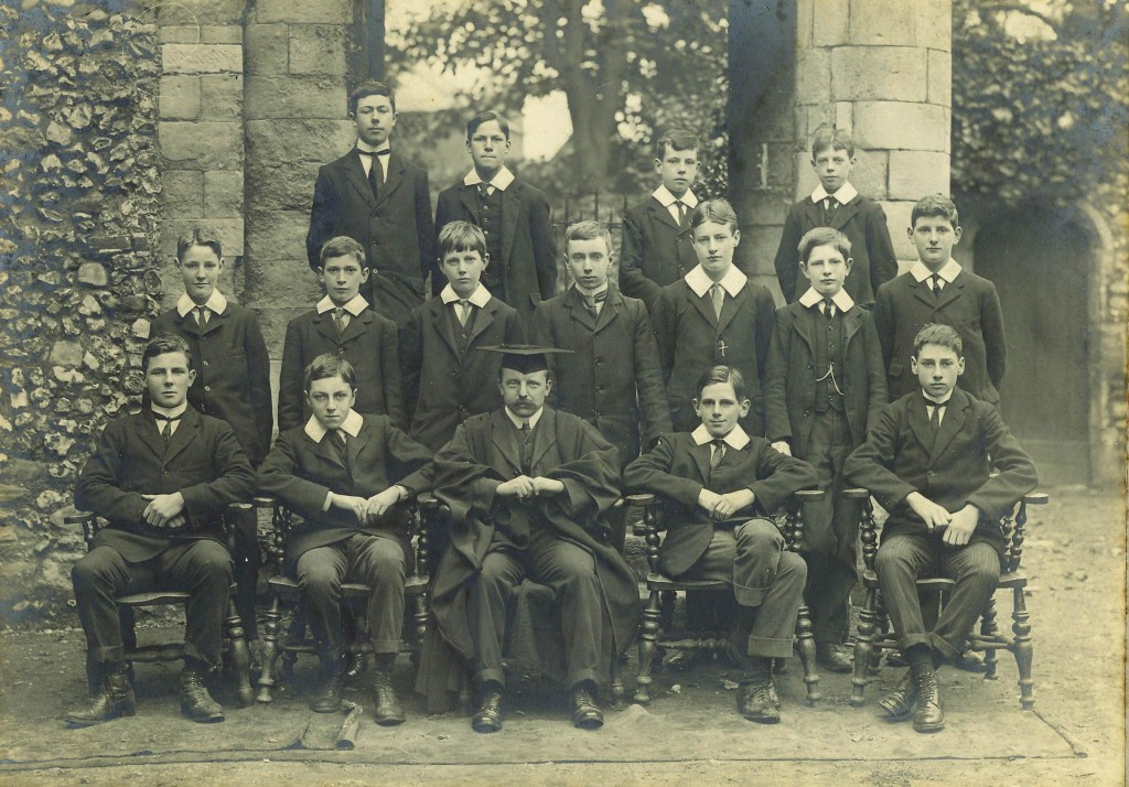 Form III Lower 1910. Hugh Pits is second from the right in the back row. The Form Master is Mr Reay.