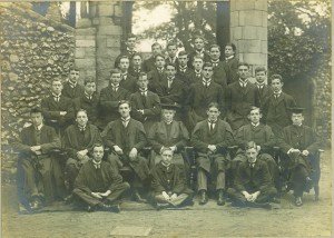 The Sixth Form 1910. RS Moxon is seated at the right. Headmaster Galpin is in the centre.
